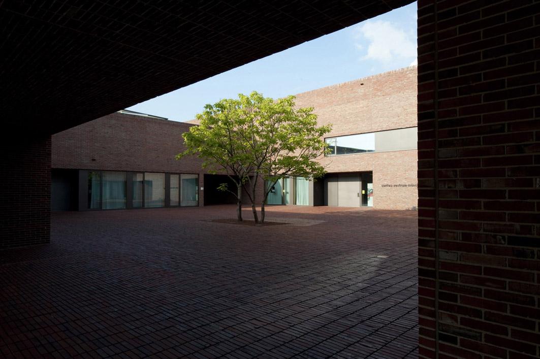 Dominicus Zentrum by Meck Architekten