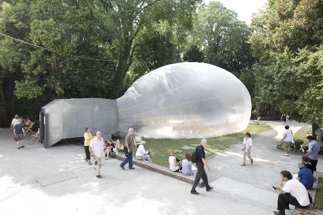 Spacebuster in Venedig zur  Architektur-Bienale 2010