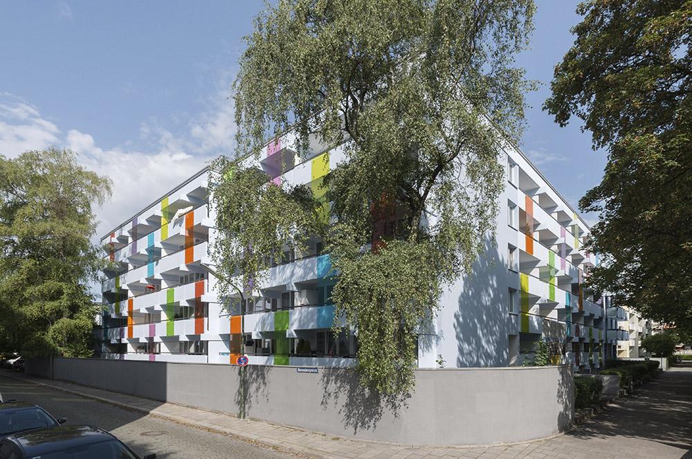 Fassadenrenovierung Geschossbau in Sendling von frisch-kruppa architekten
